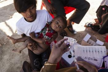 Unicef está no terreno promovendo campanha de vacinação entre as crianças rohingya. Foto: UNICEF/Brown