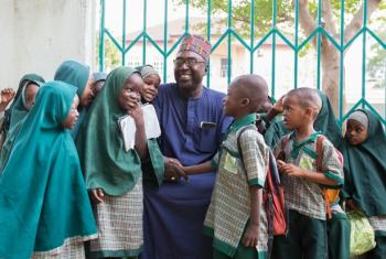 O advogado nigeriano Zannah Mustapha vencedor do Prémio Nansen 2017 por ser fundador de uma escola e pacificador do nordeste da Nigéria. Foto: Acnur/Rahima Gambo.