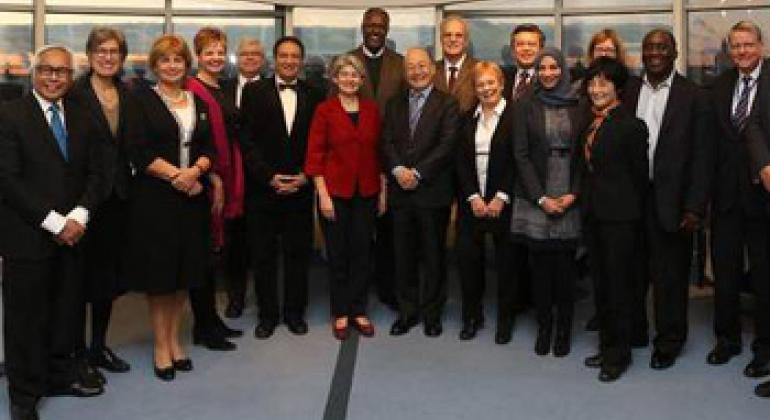 Генеральный директор ЮНЕСКО Ирина Бокова с участниками заседания Научно-консультативного совета, Санкт Петербург. Фото ЮНЕСКО