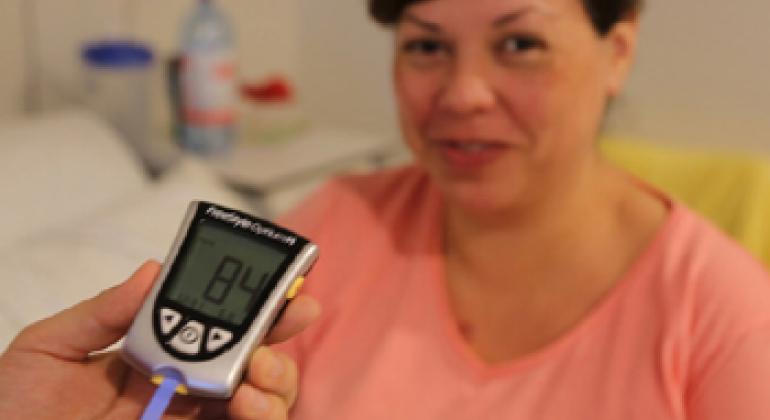 Анализ на содержание глюкозы в крови. Фото ФАО