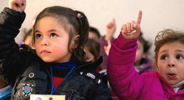 Школьницы. Фото ЮНИСЕФ