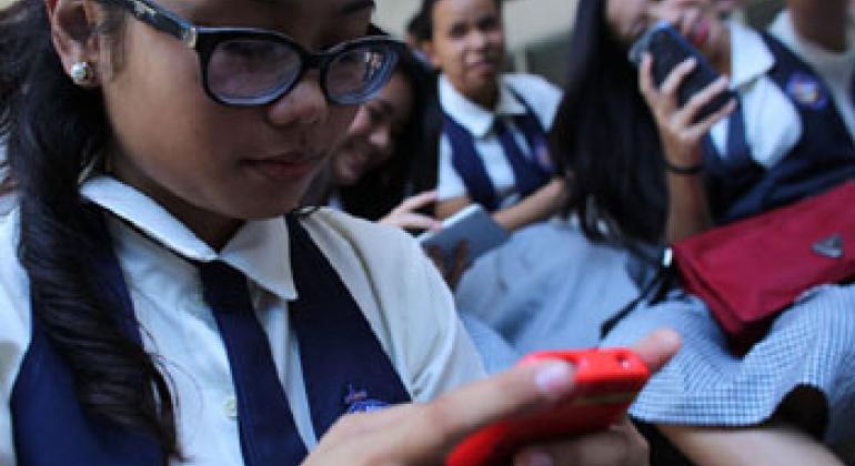 Молодежь и Интернет. Фото ЮНИСЕФ