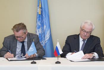 Виталий Чуркин и Йенс Вандел / фото ООН