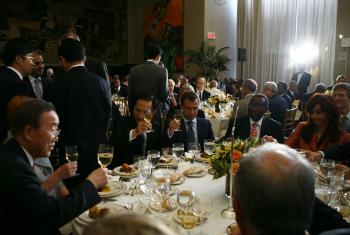 Пан Ги Мун на ужине с главами государств и правительств. Фото ООН