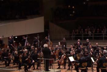Концерт для беженцев в Берлине.