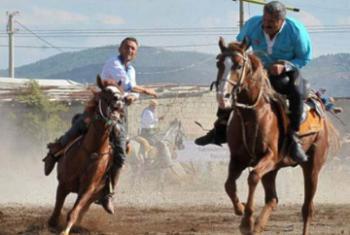 Джирит (метание копья на лошадях) – традиционный турецкий конный вид спорта. Фото с сайта Всемирные Игры Кочевников