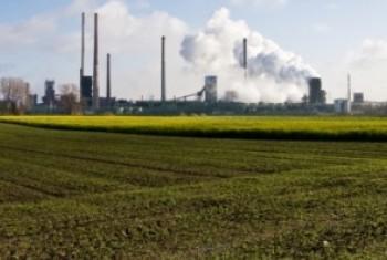 Загрязнение окружающей среды. Фото ЮНЕП