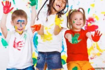 Детям - краски без свинца! Фото ЮНЕП