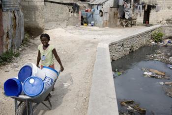 Почти миллиард человек живут в нищете. Фото ООН