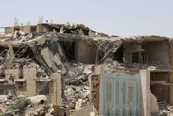 Последствия авиаудара в Сане. Йемен, 2015 г. Фото УКГВ