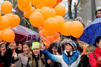 Акция против насилия в отношении женщин.            Фото «ООН-женщины»/М.Садыралиев