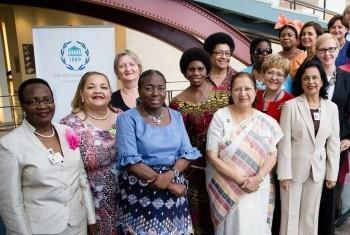 Женщины-спикеры парламентов на встрече в ООН, 2015 г. Фото ООН