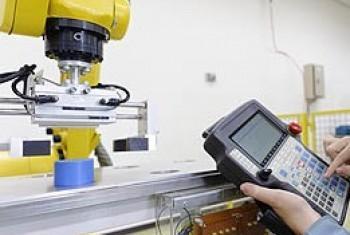 Новые технологии и автоматизация оказывают влияние на рынок труда. Фото МОТ