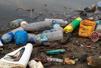 Уроза полного загрязнения морей и океанов на сегодняшний день стоит очень остро.Фото ООН