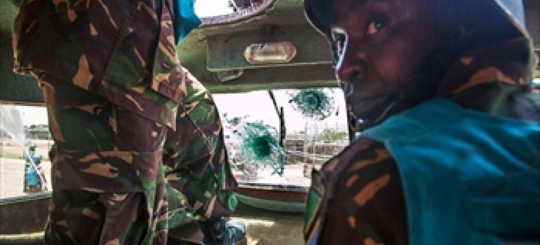 Walinda amani walioko Darfur wakiwa katika moja ya doria zao. (Picha:Albert González Farran, UNAMID)