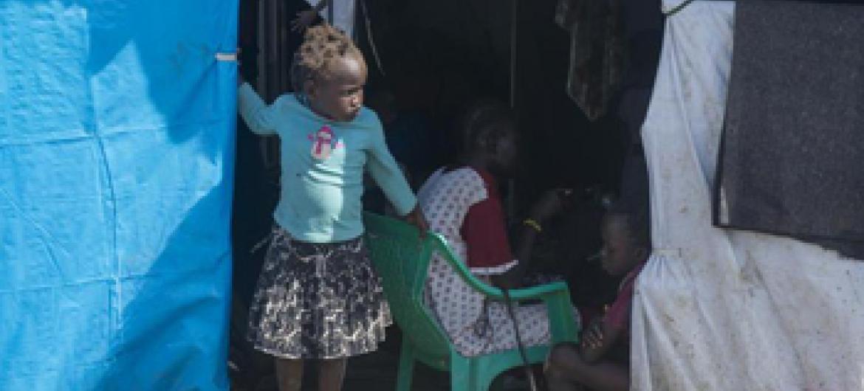 Mtoto akiwa kambini Tomping Juba, Sudan Kusini. Picha ya UM/Eskinder Debebe