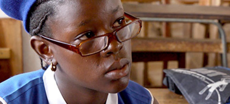 Mbalu mmoja wa wasichana anayetoa ushauri kwa wenzake Sierra Leone. Picha@UNICEF/Sierra Leone
