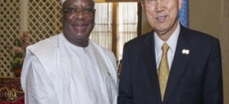 Katibu Mkuu wa UM Ban Ki-Moon akiwa na Rais Ibrahim Boubacar Keita wa Mali kwenye Makao makuu ya UM. (Picha:UN/Eskinder Debebe)