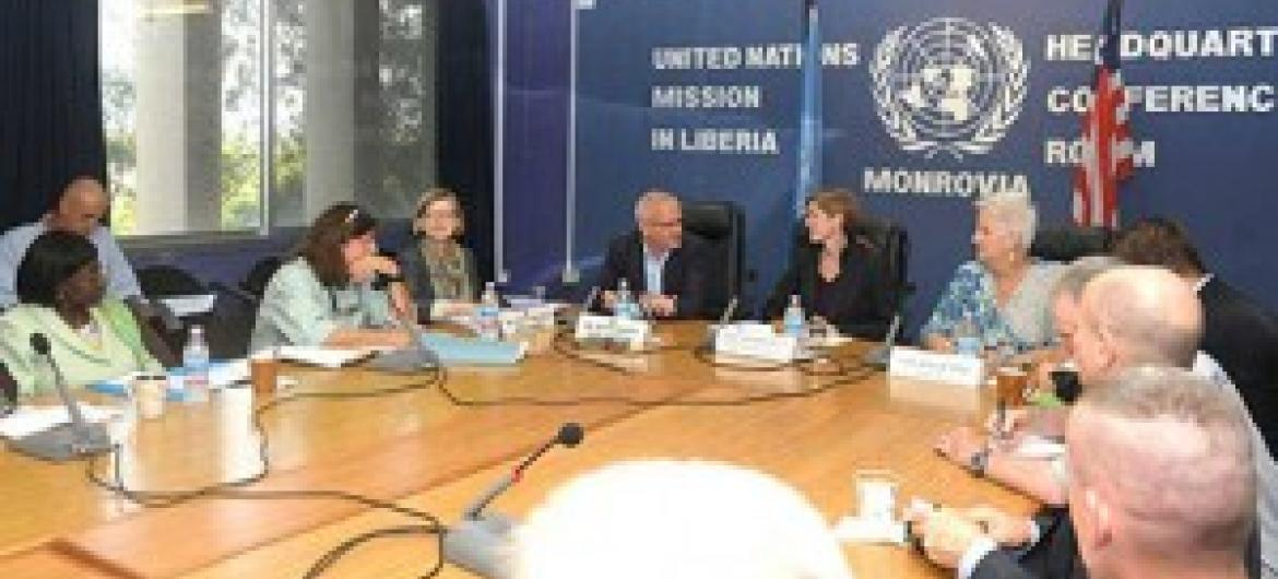 Balozi Samantha Power kwenye kikao katika ofisi za Umoja wa Mataifa mjini Monrovia, Liberia. (Picha:UNMIL / Emmanuel Tobey)