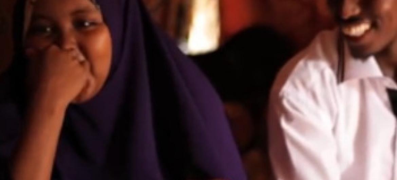 Sarah na mumewe Mohammed na mwanao.(Picha ya UNHCR Kenya/video capture)