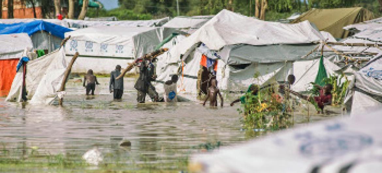 Majanga kama haya ya mafuriko Sudan Kusini huwa na madhara kiafya: Picha: UN-Photo-Isaac-Bill