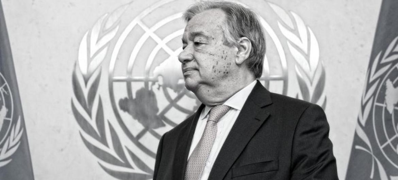 Katibu Mkuu wa Umoja wa Mataifa António Guterres akiwa kwa ofisi yake siku ya kwanza kazini. Picha: