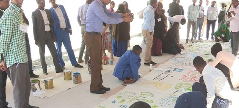 Vijana nchini Somalia wanashirikiana kuendeleza malengo ya maendeleo endelevu. Picha: AMISOM