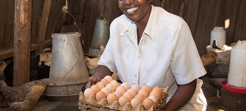 Mama mkulima kama huyu hunufaika na vyama vya ushirika.(Picha:Dasan Bobo / World Bank)