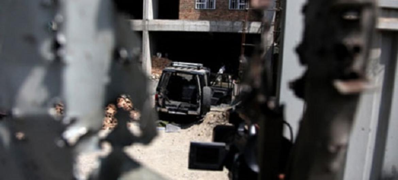 Moja ya majengo yaliyoshambuliwa na wapiganaji wenye silaha nchini Afghanistan. Picha: UNAMA / F. Mzoezi