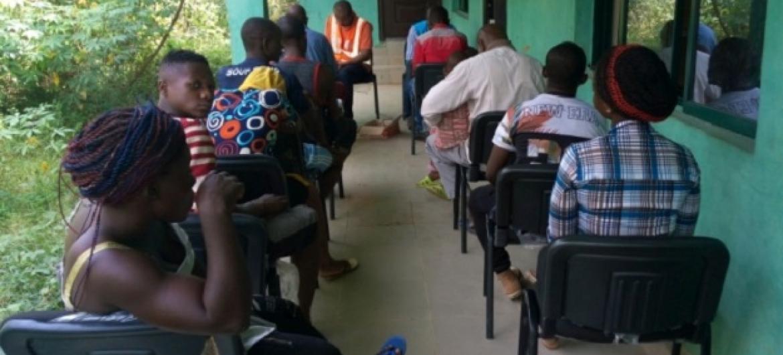 UNHCR na wadau wake wasajili wakimbizi wa Cameroon wapya wanaosaka hifadhi Nigeria kufuatia machafuko katika maeneo ya lugha ya Kiingereza nchini Cameroon. Picha: © UNHCR