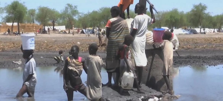 Uhaba wa maji nchini Sudan Kusini siyo tu ni tishio kwa amani na usalama bali pia maendeleo kwa kuwa wananchi wanatumia maji yasiyo safi na salama na kupata magonjwa. (Picha:Unifeed video)