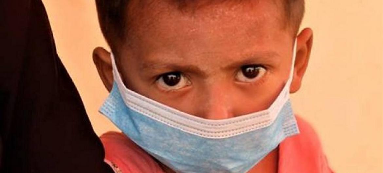 Mtoto wa kabila la Rohingya baada ya kupatiwa matibabu dhidi ya ugonjwa wa donkakoo huko Cox's Bazar nchini Bangladesh. (Picha:IOM)