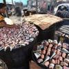 Samaki yakaushwa nchini Cote d'Ivoire. FAO linafanya kila liwezalo ili kupunguza kupoteza kwa chakula katika sekta ya uvuvi Afrika Magharibi. Picha: FAO