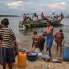 Raia waendelea na shughuli za kawaida ziwani Tanganyika. Picha: UM