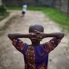 Watoto wanne kati ya watano wanaoishi na VVU Afrika Magharibi na Kati bado hawapokei tiba ya kupambana na virusi vya ukimwi. Picha: UNICEF