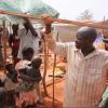 Wakimbizi wa ndani wajengewa makazi ya muda baada ya kutawanywa na machafuko nchini Sudan Kusini. Picha: UNHCR