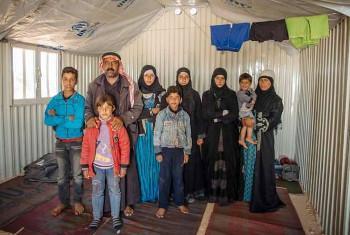 kila dakika, familia moja inalazimishwa kuhama Syria. @UNHCR