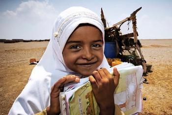 Watoto wa kike watalengwa na miradi ya WFP Yemen ili waweze kwenda shuleni. @WFP/Micah Albert