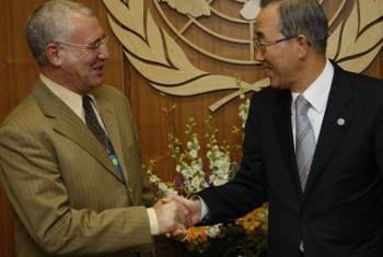 Katibu Mkuu wa Umoja wa Mataifa, Ban Ki-Moon na Said Djinnit wa Algeria, Mjumbe Mteule katika Ukanda wa Maziwa Makuu