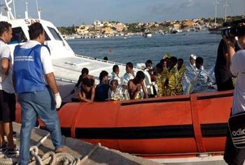 Manusura wa ajali ya boti kisiwa cha Lampedusa (Picha ya maktaba/UNHCR)