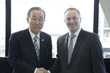 Katibu Mkuu wa Umoja wa Mataifa Ban Ki-Moon(kushoto) na Waziri Mkuu wa New Zealand John Key (kulia). Picha: