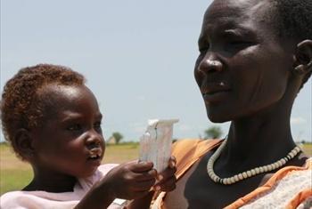 Nchini Sudan Kusini WFP na UNICEF kwa pamoja wanatoa msaada wa chakula kwa watoto wanao ugua na utapiamlo.Picha ya WFP/fb