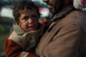 Adnan, mtoto wa miaka mitano aliyejehuriwa wakati wa mashambulizi nchini Syria. Picha ya UNICEF/Marta Ramoneda