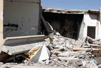 Nyumba iliyoharibiwa Ahy Badr katika mji wa Mizdah kwenye milima ya Nafusa Libya baada ya vita vya kikabila Machi 2013. Picha: IRIN / Jorge Vitoria Rubio(UN News Centre)