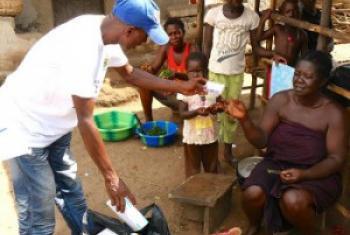 Harakati za kuelimisha dhidi ya Ebola. Picha: WHO/S. Saporito — Sierra Leone.(MAKTABA)