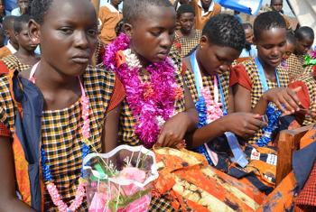 Wasichana waliopokea mafunzo nchini Tanzania badala ya ukeketaji(Picha ya UNFPA / Zainul Mzige)