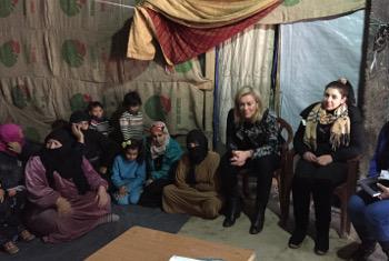 Sigrid Kaag akikutana na wakimbizi wa Syria nchini Lebanon. Picha ya UN