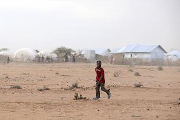 Kambi ya wakimbizi ya Dadaab iliyoko Kaskazini Mashariki mwa Kenya(Picha ya UM/Evan Schneider)