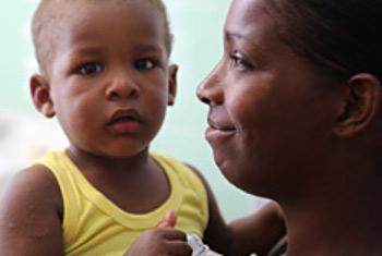 Mama na mwanae(Picha:PAHO/WHO/S. Oliel)