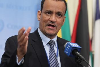Mjumbe maalum wa UM nchini Yemen Ismail Ould Cheikh Ahmed akizungumza na waandishi wa habari. (Picha:UN/Devra Berkowitz)
